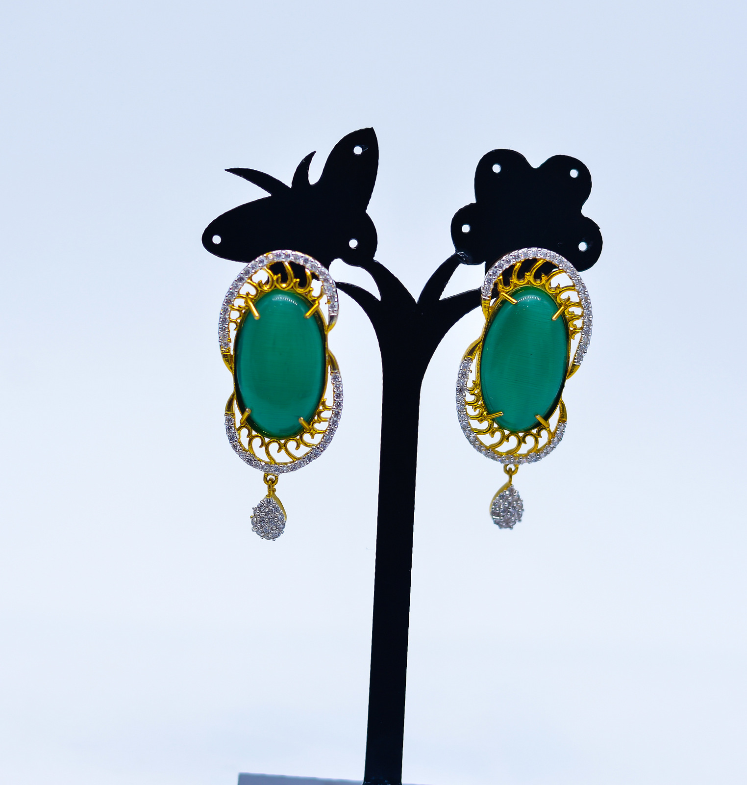 Oval Green Earrings